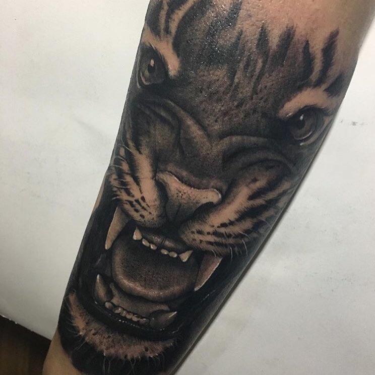 blackandgrey,tattooart,art,artistic,old,oldschollshit,custommade,owl,tabasco,berlintattoo,barcelonatattoo,ibizatattoo,tabascotattooer,bestattooers,tradicionaltattooers,bestisbest,tatuajes,berlintattooers,ontheroad,classictattoo,tendencia,creativity,bobinas,tradicional,studyofberlin,berlincity,tatuandoenberlin,tattooersberlin671346146,tattoo,tattoos,tattooart,art,artistic,old,oldschollshit,custommade,owl,tabasco,berlintattoo,barcelonatattoo,ibizatattoo,tabascotattooer