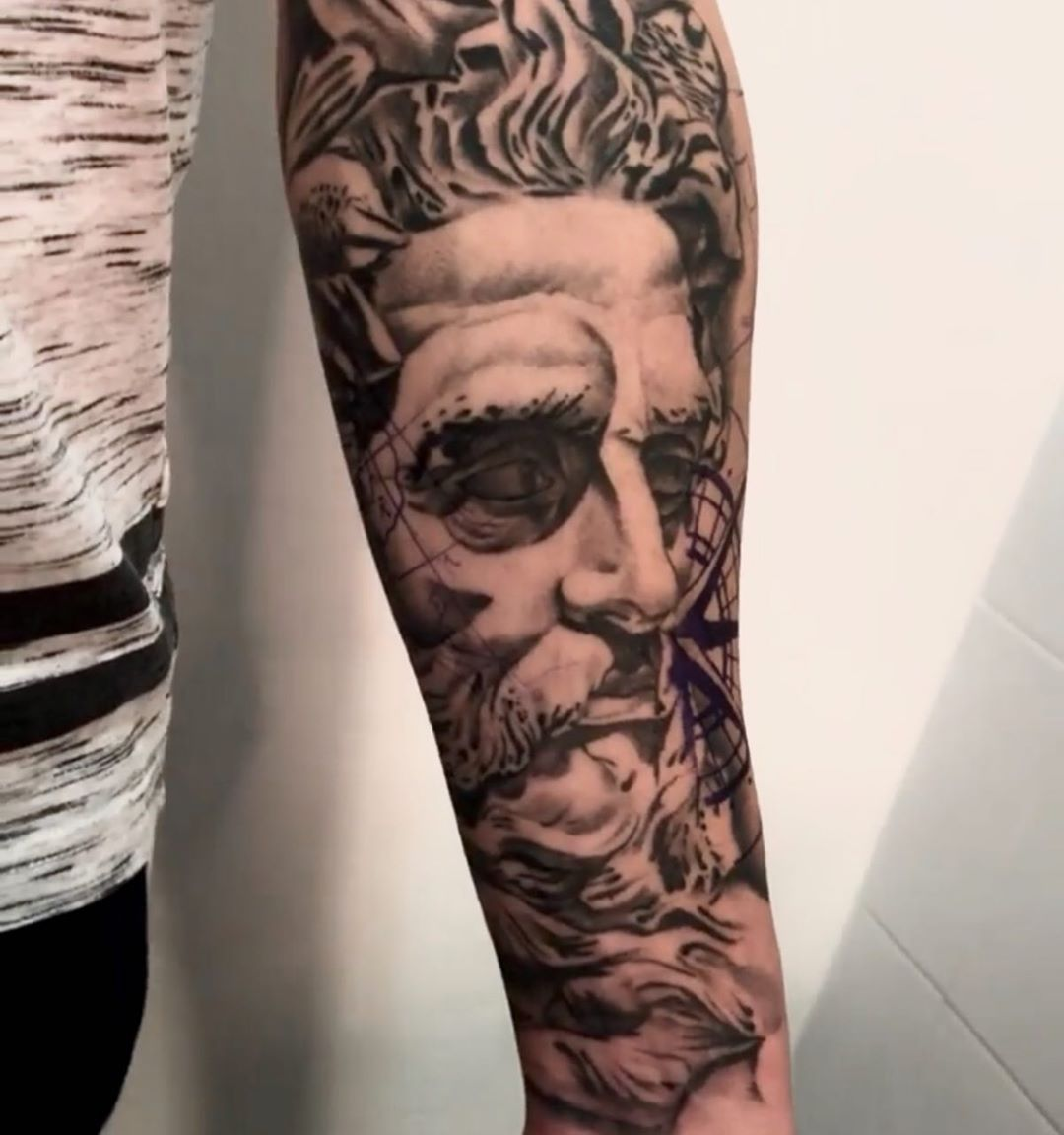 ink,inked,inkedmag,thebesttattooartist,miami,miamiink,oceandrivemiami,eeuu,spain,madrid,thebesttattooartists,follow,followme,followforfollw,americantattoos,realismotattoo,poseidon,tattoo,tattoostuff,tattoogirl
