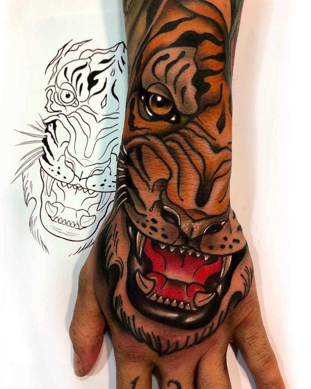 neotraditionaltattoo,followforfollow,puertollano,tattooers,besttattooers,juantabasco,ciudadrealsetatua,ink,tatuajes,realismo,realistictattoo,ciudadrealtattoo,tatuajesenpuertollano,traditionaltattoos,castillalamancha,ink,tattooart,zurichtattoo,daimiel,inkedgirls,inkig,ink,inktattoos