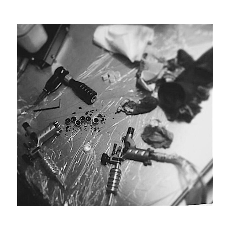 open,OPENTOMORROW,tomorrow,tattooshop,juantabasco,trabajandoduro,workhard,abierto,tatuando,tattoo,tattooers,besttattooer,listadeespera,issogood,ciudadrealink,bestink,besttattoos,bestattooers,oldschool,customtattoo,tradicionaltattoo,realismo,realism,black,blackandgrey