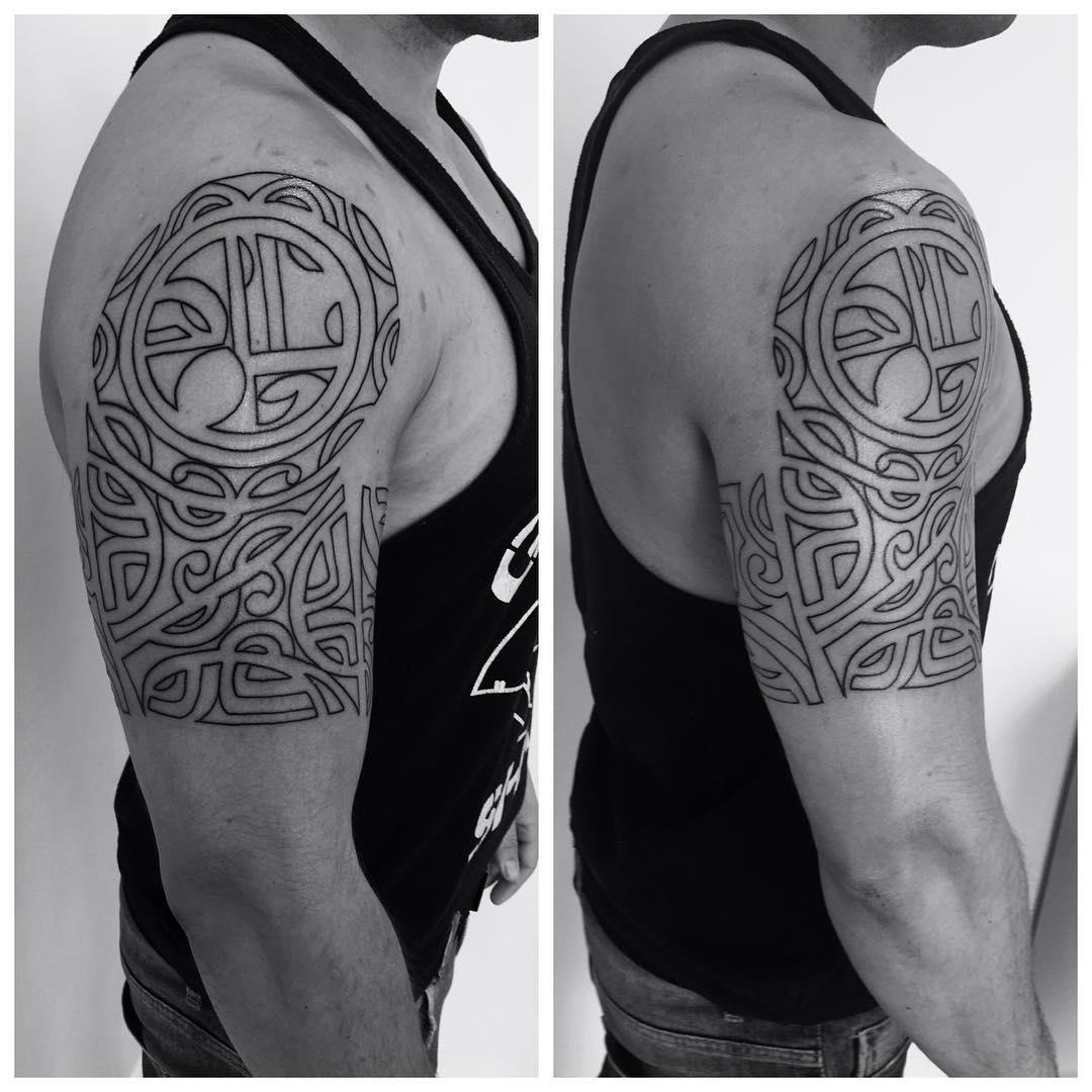tattoo,tattoo,tattooer,tattooartist,tatu,ink,maori,maoritattoo,tatu,colour,ciudadreal,eternalink,juantabascotattooer,juantabasco,artoftheday,art,instagram,instapick,cheyenne,stigmarotarymachine,instattoo,besttattooer,spain,color,polinesio,electricink,sailorjerry