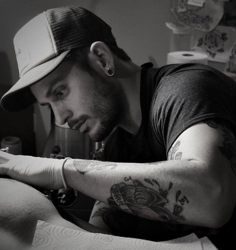 tattooart,art,artistic,old,oldschollshit,custommade,owl,tabasco,berlintattoo,barcelonatattoo,ibizatattoo,tabascotattooer,bestattooers,tradicionaltattooers,bestisbest,tatuajes,berlintattooers,ontheroad,classictattoo,oldlines,ciudadreal,malagatattooconvention,tradworkers,tradtattoo,follow4follow,followme,ciudadreal,castillalamancha